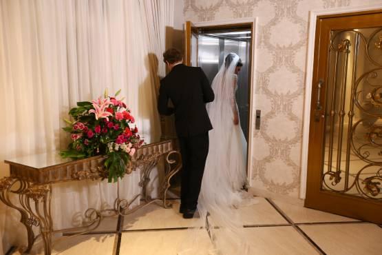 Elevador exclusivo para os noivos e debutantes